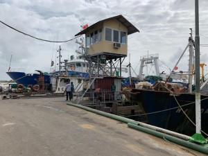 1 Soerdjan laat deadline visserijsector verstrijken2