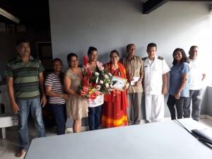 Het diamanten echtpaar Rathipal-Rajbalsing met dc Wedperkash Joeloemsingh van Wanica Noord-West en zijn kinderen