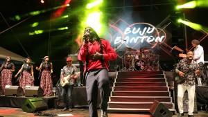1Buju Banton never lost his way of performing