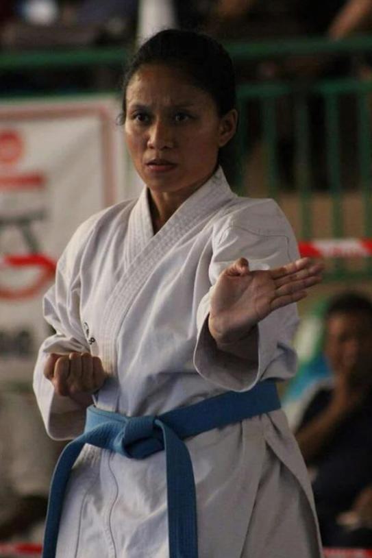 Stijlpatronen demonstratie uitgevoerd door Karateka Ervina Santokhi van het Karate Instituut Burgos afdeling Altonaweg te Lelydorp.